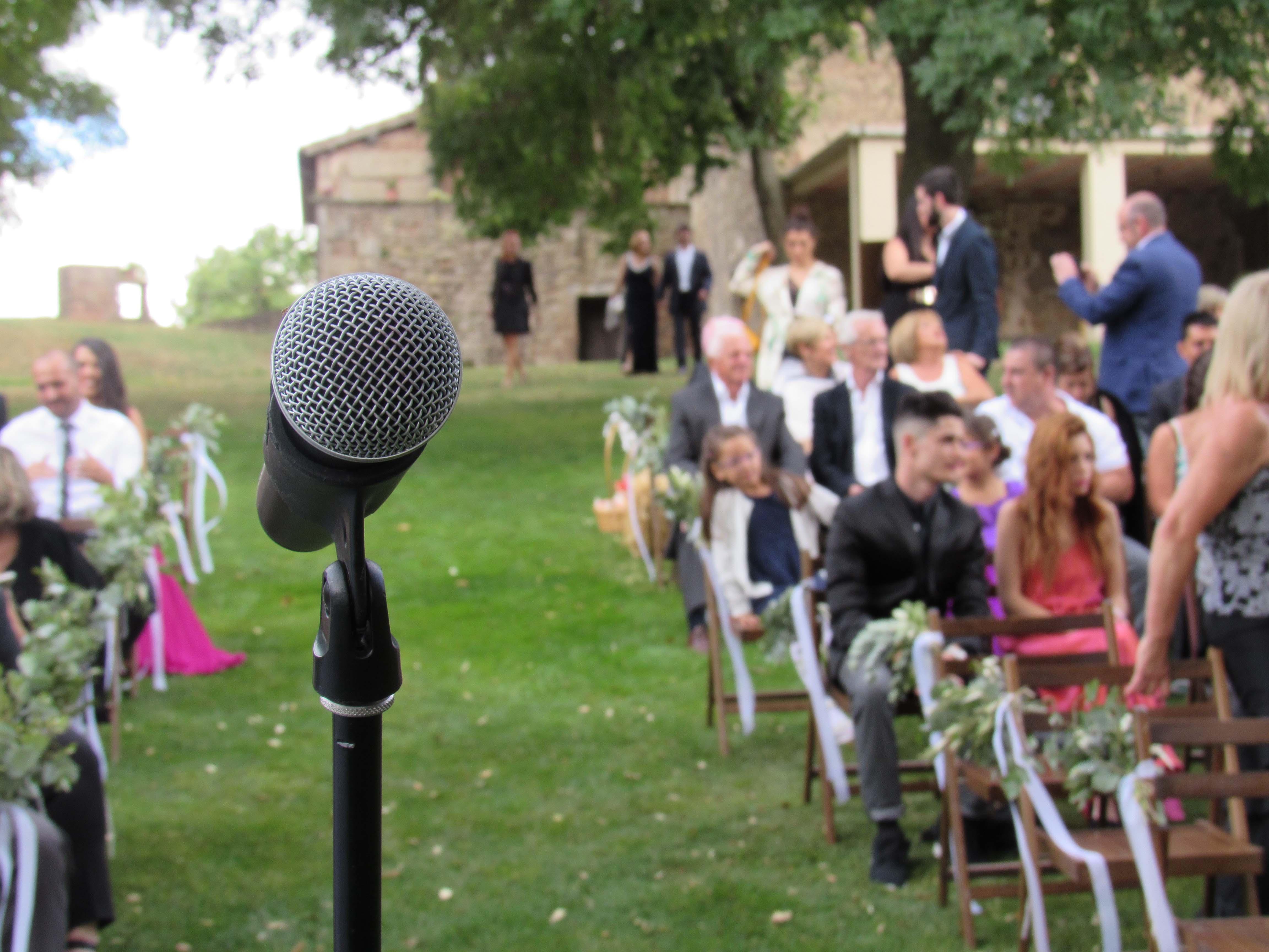 ¿Cómo oficiar una boda civil?